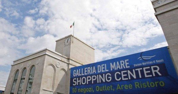 commerciale Galleria del mare