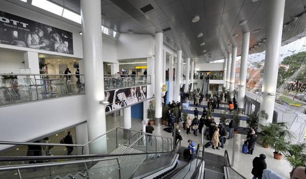 Aeroporto Capodichino : Aeroporto di napoli capodichino centro storico