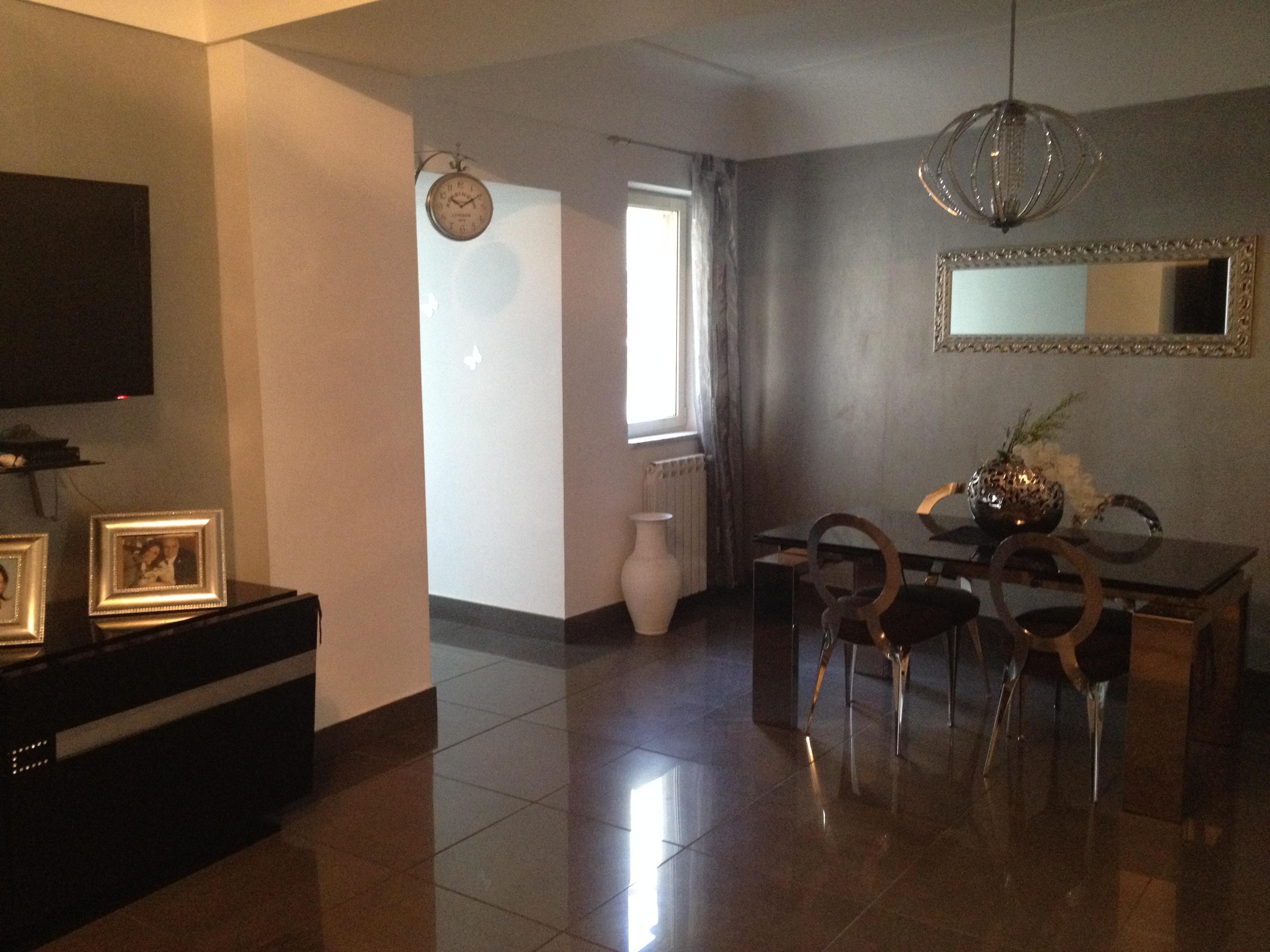 Appartamento con terrazzo napoli centro napoli centro for Case in vendita centro storico milano