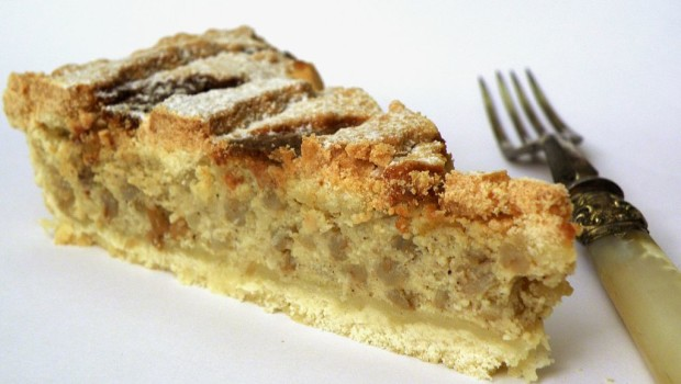 1024px-Pastiera_slice_-_ready_to_eat